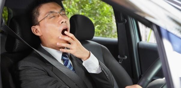 Mẹo hay giúp bạn tránh buồn ngủ khi lái xe ô tô